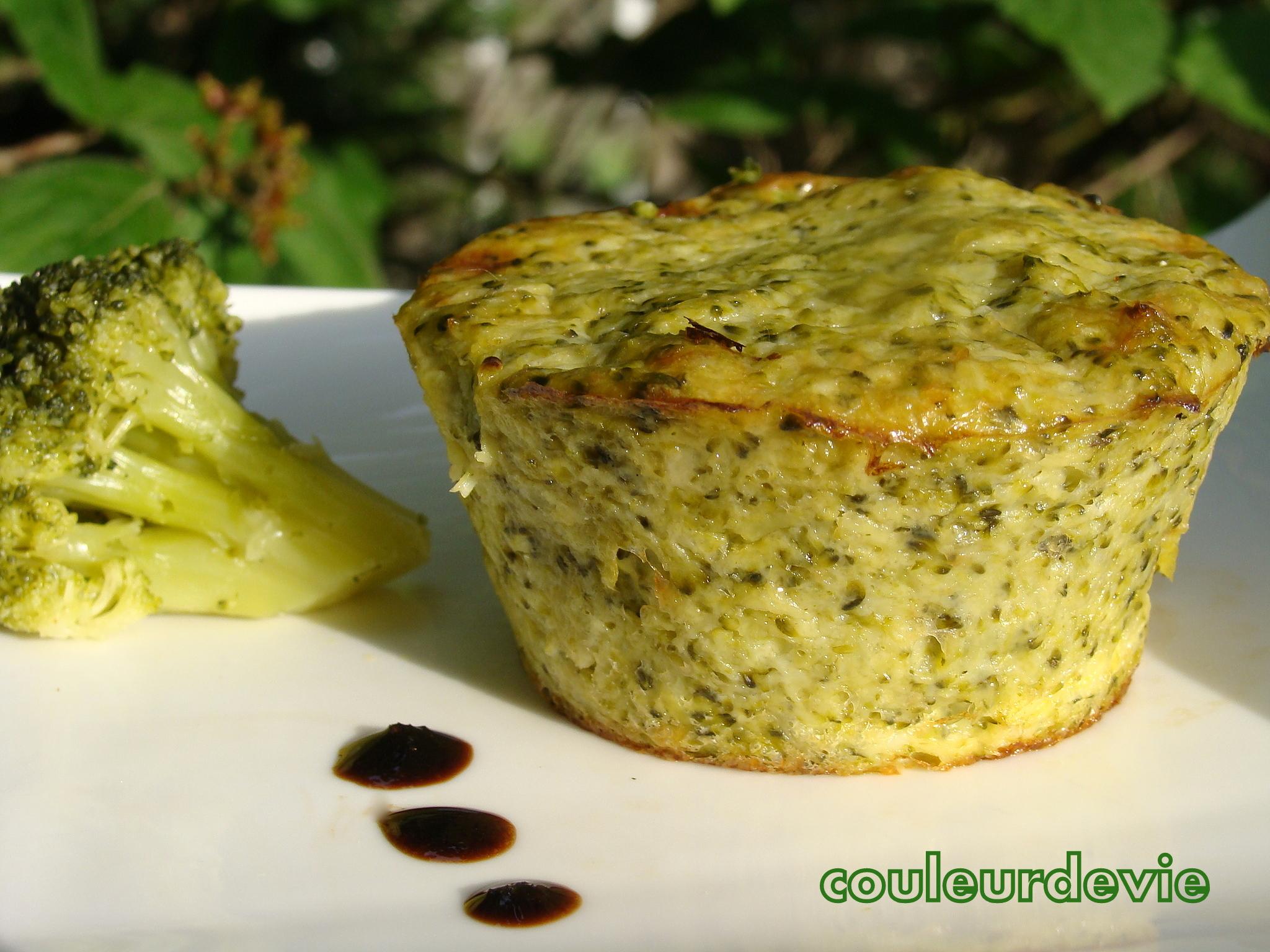 Petits flans de brocolis au parmesan couleurdevie - Cuisiner brocolis surgeles ...