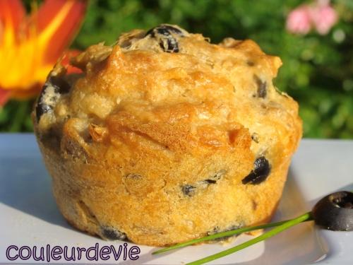 muffins au thon et aux olives noires par couleurdevie. Black Bedroom Furniture Sets. Home Design Ideas