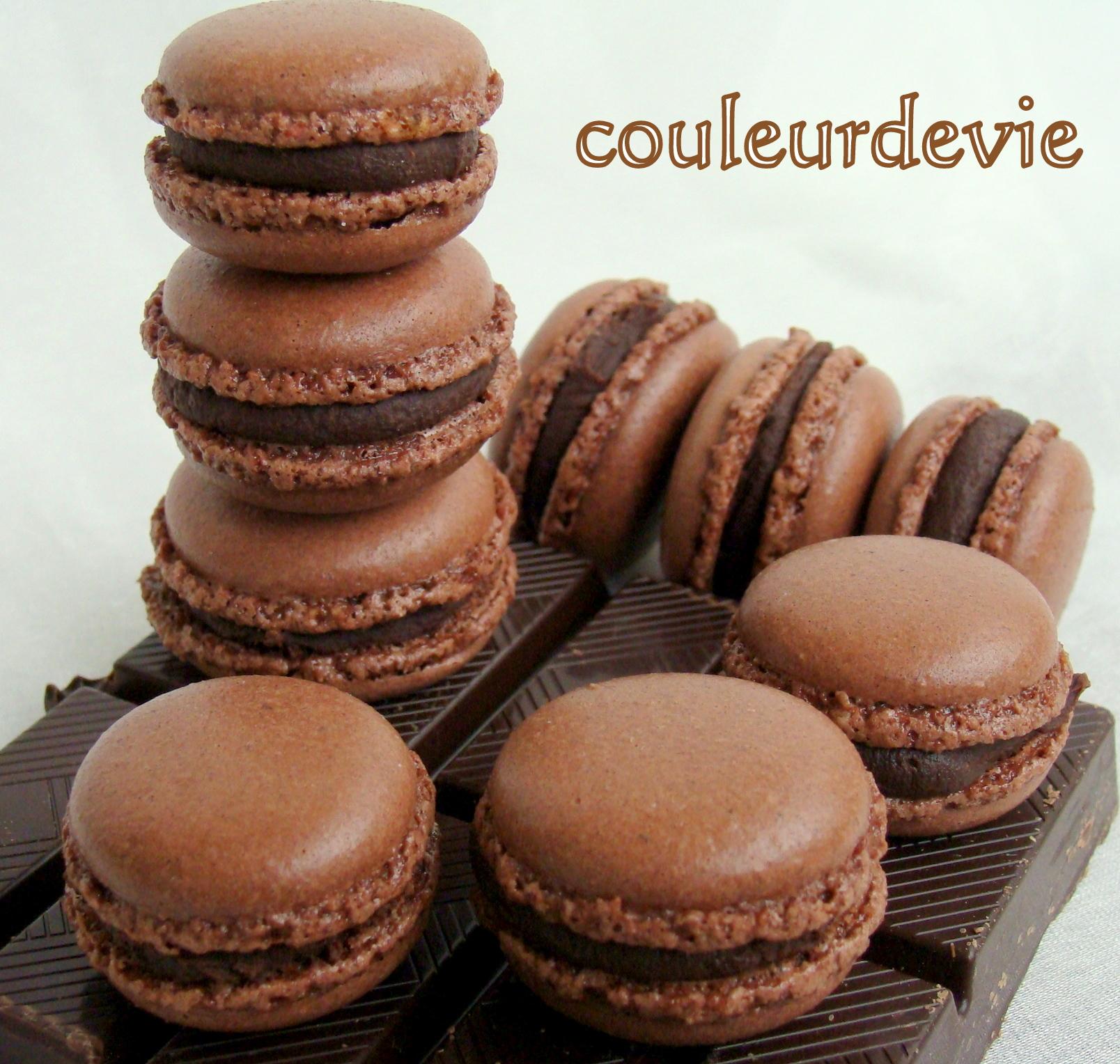 macarons au chocolat et rappel de la recette de base pour les coques la meringue italienne. Black Bedroom Furniture Sets. Home Design Ideas