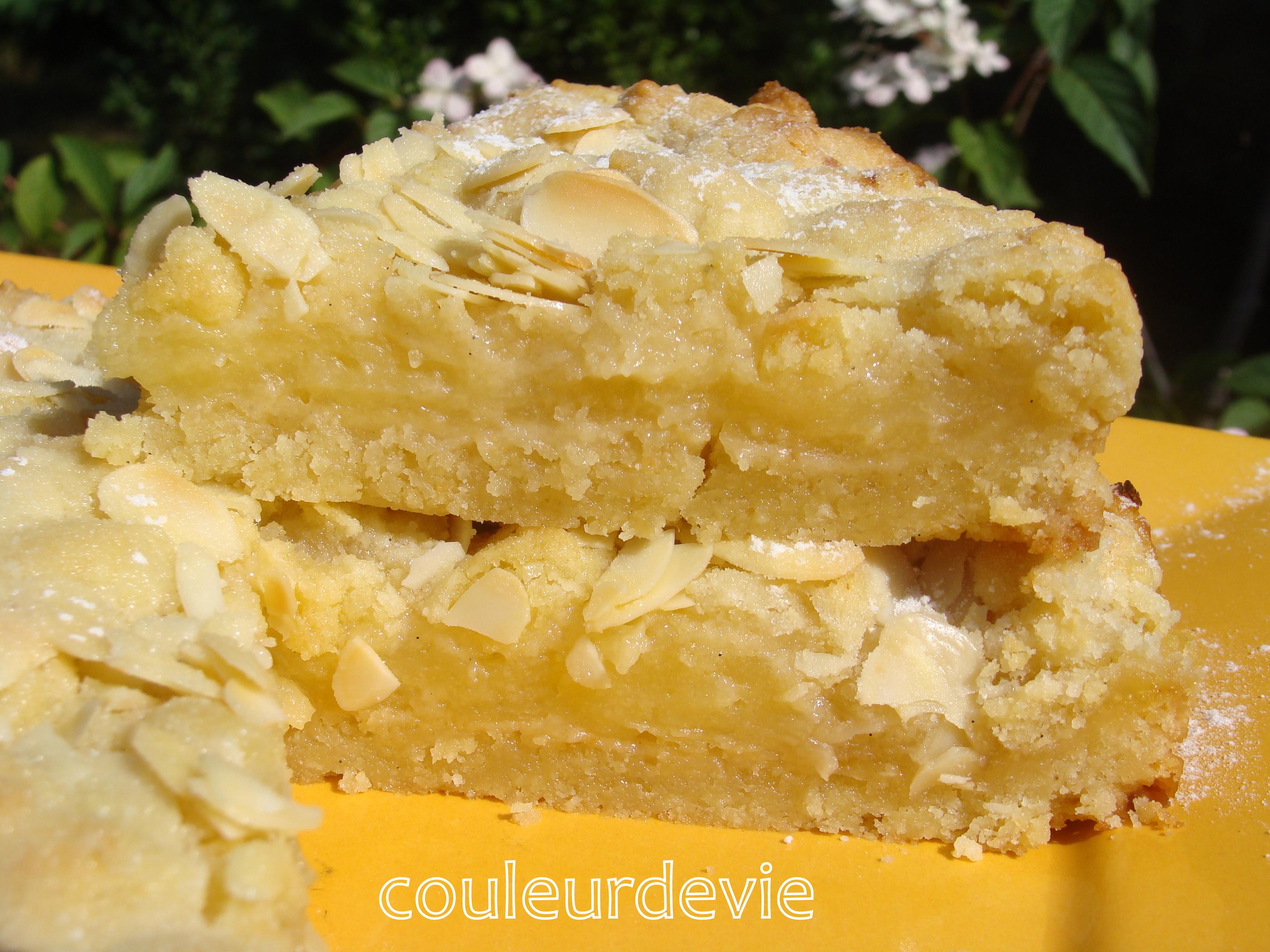 Un gâteau qui n\u0027est pas sans rappeler la tarte au citron\u2026j\u0027ai adoré son  crumble sur le dessus avec les amandes effilées. Un gâteau qui réjouira les  amateurs